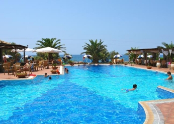 Oasis Hotel 3*
