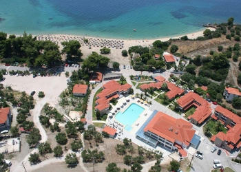 Lagomandra Beach & Suites 4*